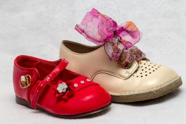 shoes-649690_1280